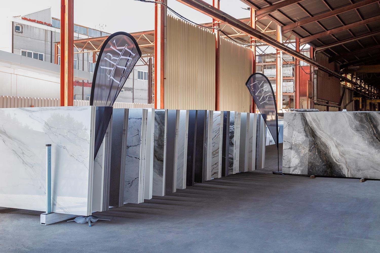 Arklam abre un centro logístico en Madrid con capacidad para más de 2.000 tablas